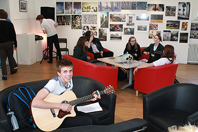castle school taunton students at ciccic learning about music industry