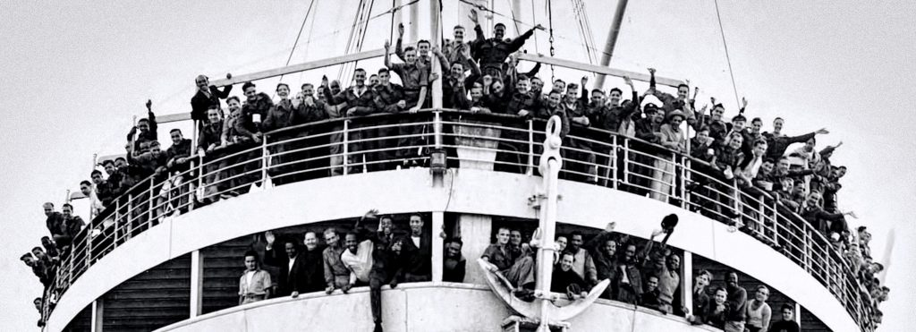 J4Y0KC Empire Windrush packed with West Indian immigrants on arrival at the Port of Tilbury on the River Thames on 22 June 1948. This event is often cited as the start of the postwar immigration boom that was to change British society forever. The British Nationality Act 1948 gave British citizenship to all people living in Commonwealth countries with full rights of entry and settlement in Britain.